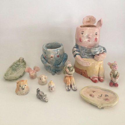lote de jarra Cuchu y Oso y figuritas